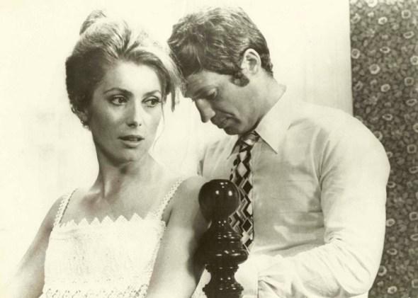 """Catherine Deneuve y Jean Paul Belmondo en """"La Sirena del Mississipi"""""""
