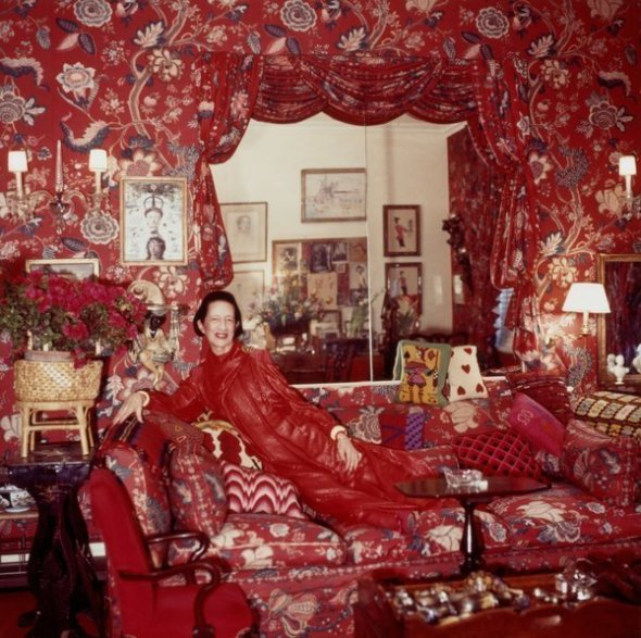 red Lurex evening dress in red living room