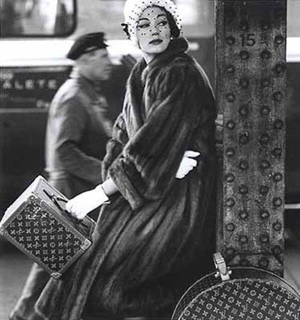 Consuelo Crespi en un editorial de moda