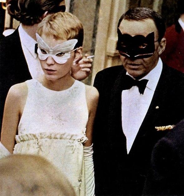 Frank Sinatra y Mia Farrow en el baile